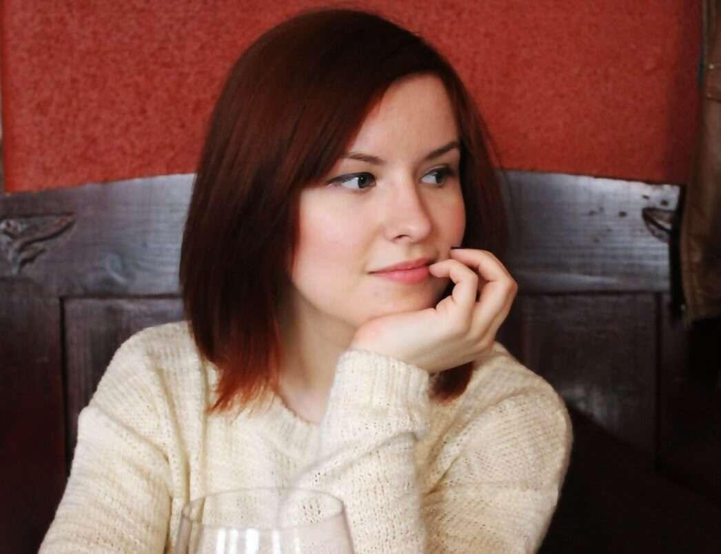 Mariona, 24